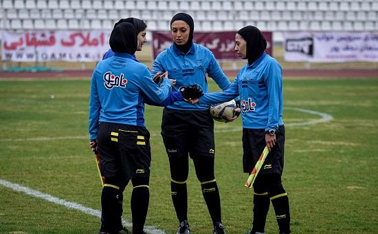 تلاش دختران فوتبالیست شیرازی و کرمانی برای پیروزی +گزارش تصویری