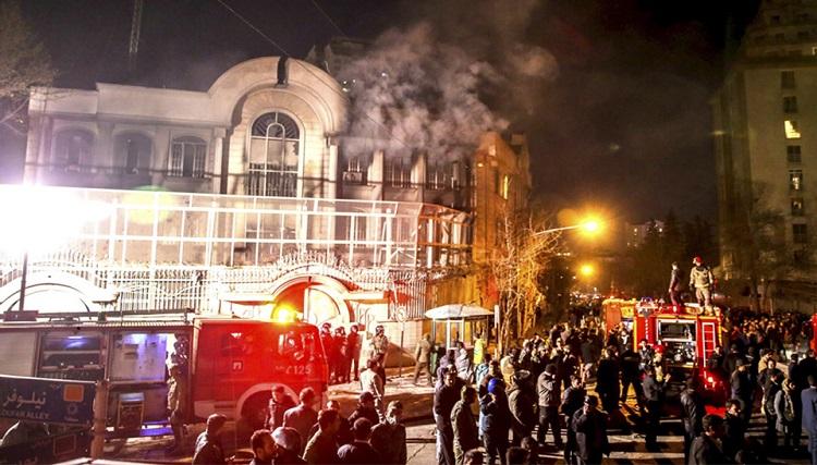 بهبود روابط ایران و عربستان با کمک سفارتنوردان/ کسانی که سفارت عربستان را آتش زدند، اکنون چه میکنند؟